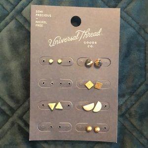 6 pairs of earthy tone stud earrings
